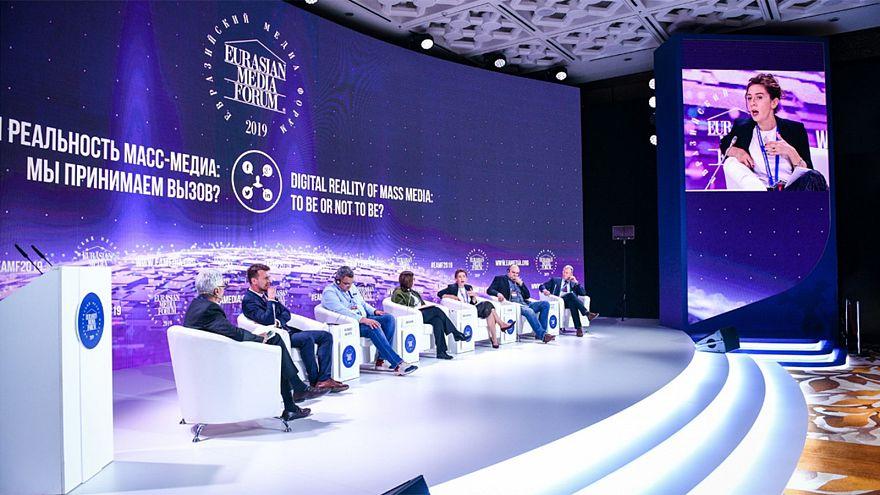 Avrasya Medya Forumu'nun odağındaki tartışma: Gerçek dönüşüyor mu?