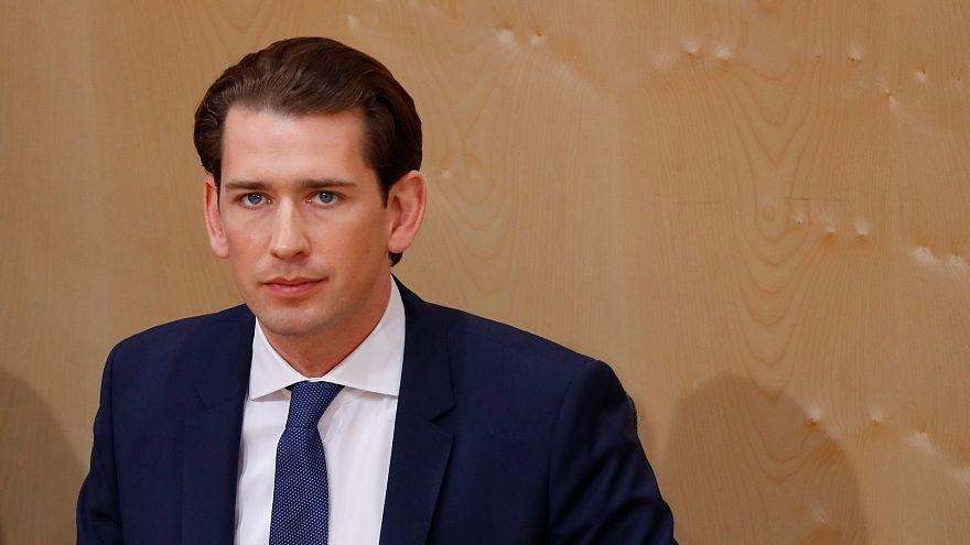 Megszavazták a bizalmatlansági indítványt Sebastian Kurz osztrák kancellár ellen