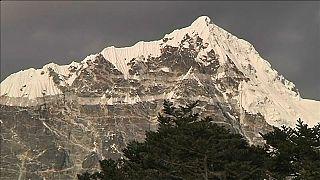 L'Everest, l'affluence de tous les dangers