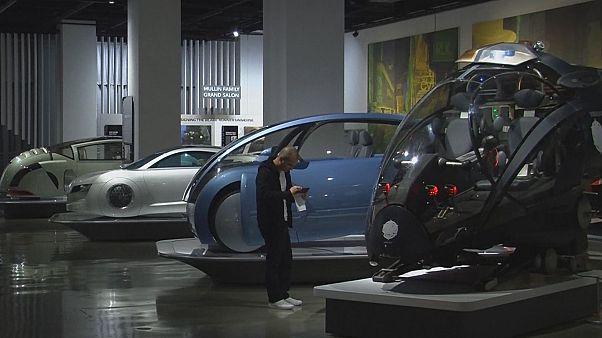 نمایش خودروهای معروف سینما در لس آنجلس؛ از مد مکس تا جنگ ستارگان