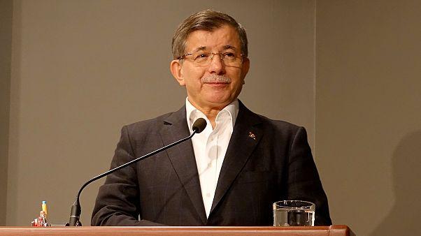 Davutoğlu, katıldığı iftar programında konuştu: Diyarbekir'e gelmek için bahaneye ihtiyacımız yoktur