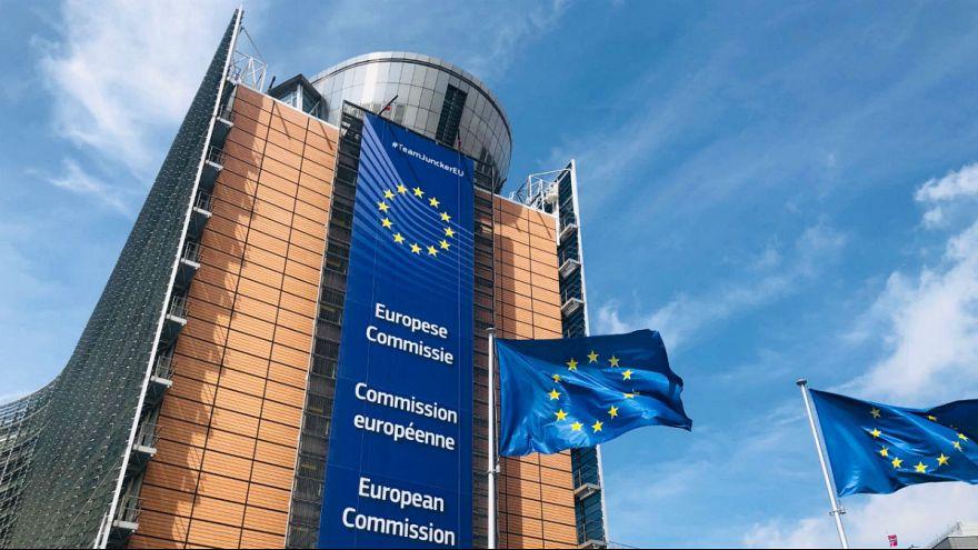 اختلاف نظر ماکرون و مرکل بر سر انتخاب رئیس آتی اتحادیه اروپا