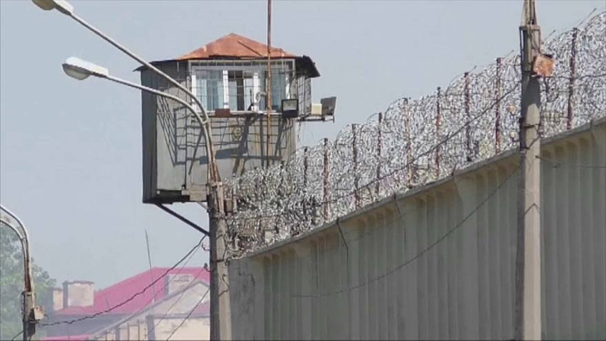 Geiselnahme in ukrainischem Gefängnis: Kein Essen und Schläge