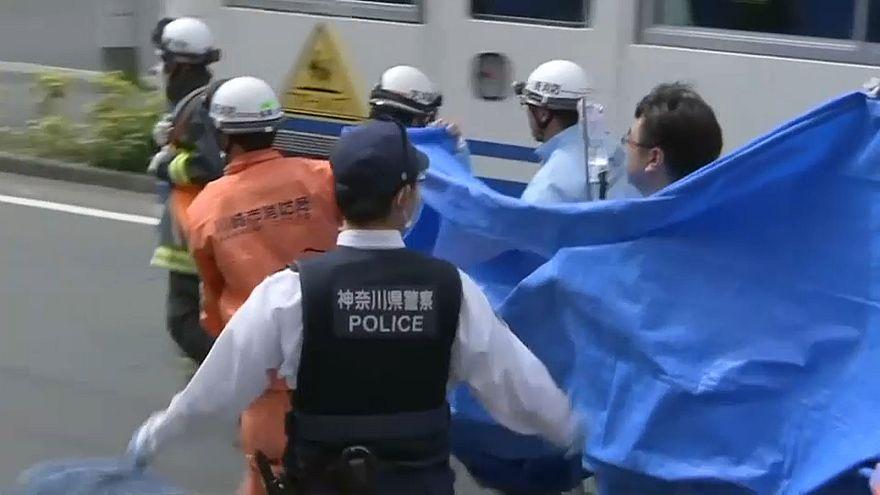 Elevan a tres los muertos en el apuñalamiento masivo de Tokio