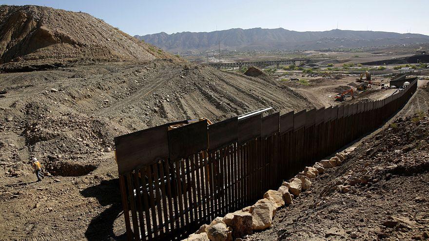 Le mur privé qui commence à être construit entre le Texas et le Mexique