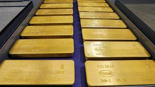 سبائك من الذهب الخالص في كراسنويارسك بروسيا