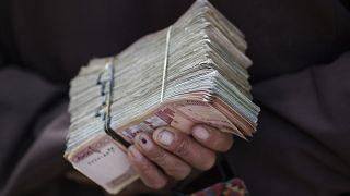 کاهش بیسابقه ارزش افغانی افغانستان؛ ثبت خسارت میلیونی در مهمترین مرکز مبادلات پولی