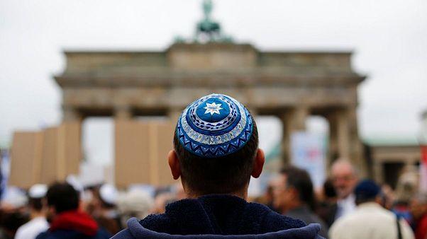 درخواست از آلمانیها برای گذاشتن کلاه یهودی در آستانه تظاهرات روز قدس