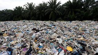 Malezya tonlarca çöpü geri gönderiyor: Gelişmiş ülkelerin çöplüğü olmayacağız
