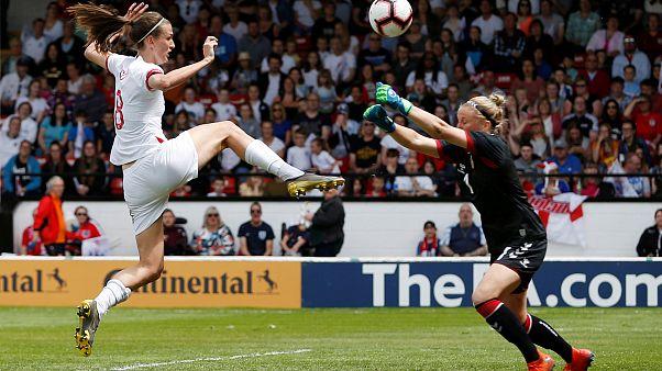 Quali sono le differenze di regolamento tra calcio maschile e femminile?