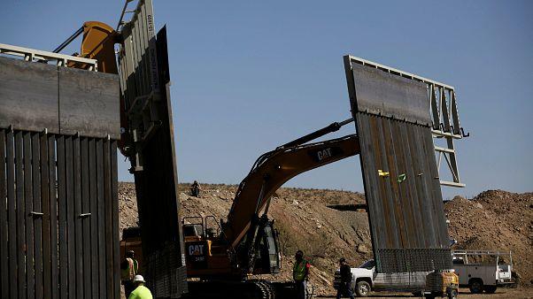Levantan un muro en la frontera de Estados Unidos con México