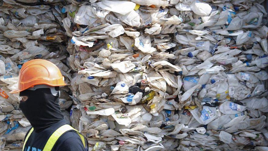 مالزی هزاران تن ضایعات پلاستیکی را به کشورهای غربی پس میفرستد