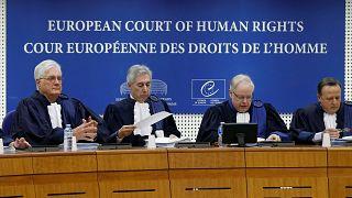 Gardiyanların grevi sırasında hak mahrumiyeti yaşayan tutuklu Belçika'yı mahkum ettirdi