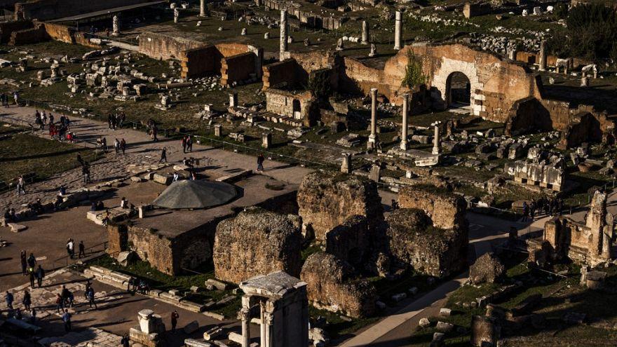 Şarap, dans ve doğurganlık tanrısı 2000 yıl sonra bulundu