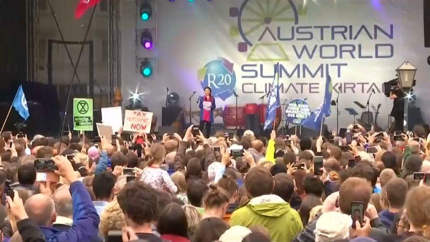 Greta Thunberg e Arnold Schwarzenegger unidos em defesa do clima