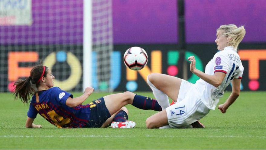 تفاوت قوانین فوتبال زنان و مردان چیست؟