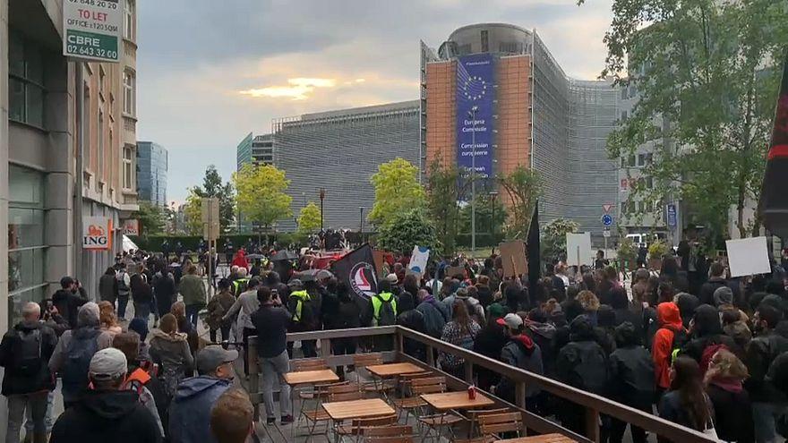 Több ezren tüntettek a fasizmus ellen