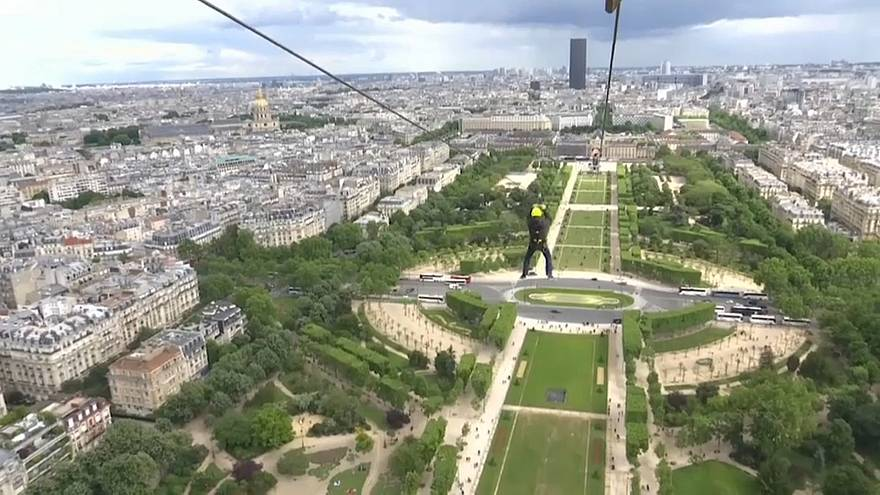 Winners sped across the Paris skyline to the École Militaire at 90 km
