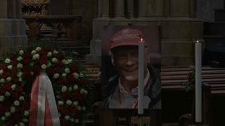 Familiares, amigos y aficionados se despiden del piloto Niki Lauda