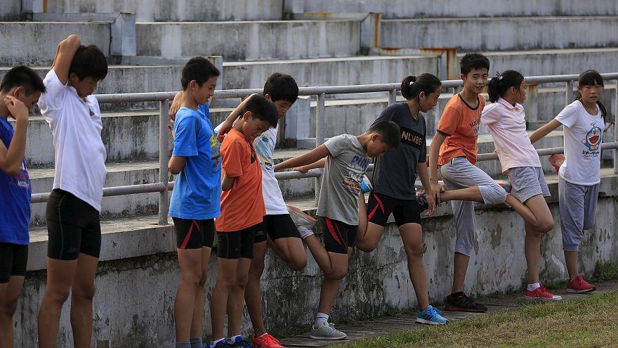 الرياضات الجماعية تساهم في تخطي تجارب الطفولة السلبية