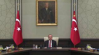 Bruxelas diz que Turquia se afasta da UE