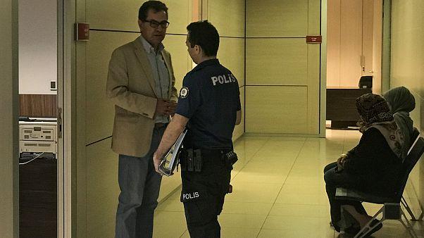 Gazeteci Kadri Gürsel önce cezaevine gönderildi, sonra serbest bırakıldı