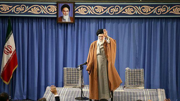 علی خامنهای: موضوعات ناموسی انقلاب نمیتواند موضوع مذاکره باشد