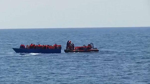 Viminale dirotta a Genova la Nave della Marina con a bordo 100 migranti