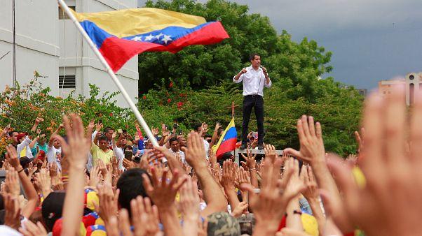 Muhalif lider Guaido