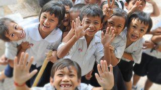 Filipinler'de öğrenciler diploma alabilmek için en az 10 ağaç dikmek zorunda kalacak