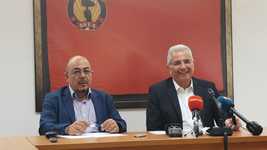 Ο ΓΓ του ΑΚΕΛ Άντρος Κυπριανού και ο ευρωβουλευτής Νιαζί Κιζίλγιουρεκ