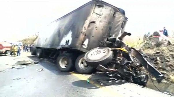 Halálos közúti baleset Mexikóban