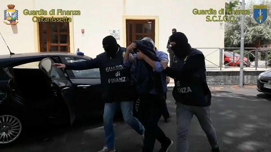 Le mani di Cosa Nostra sui fondi europei, undici arresti in Sicilia