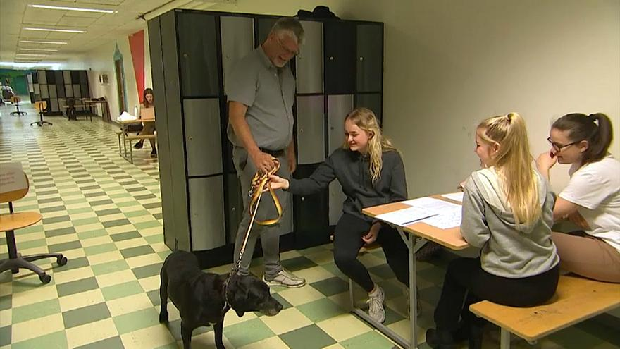 Danish students learn to relax with anti-stress dog