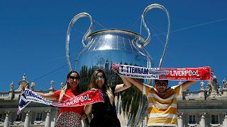 Кубок Лиги чемпионов пронесли по улицам Мадрида