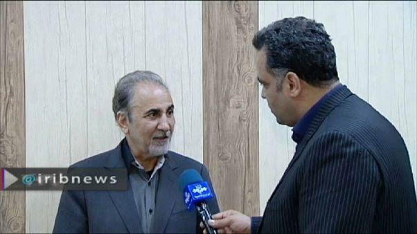 نجافي يتحدث مع الغعلام الإيراني بعد تسليمه لنفسه