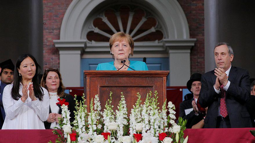 Меркель критикует политику Трампа