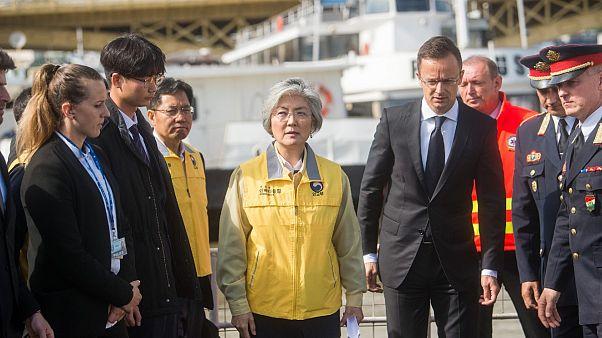 Dél-koreai külügyminiszter: mindenkit meg akarunk találni