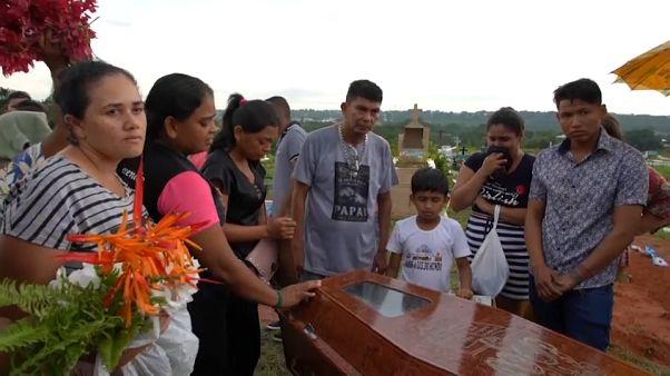 Funerais de 55 prisioneiros no Amazonas