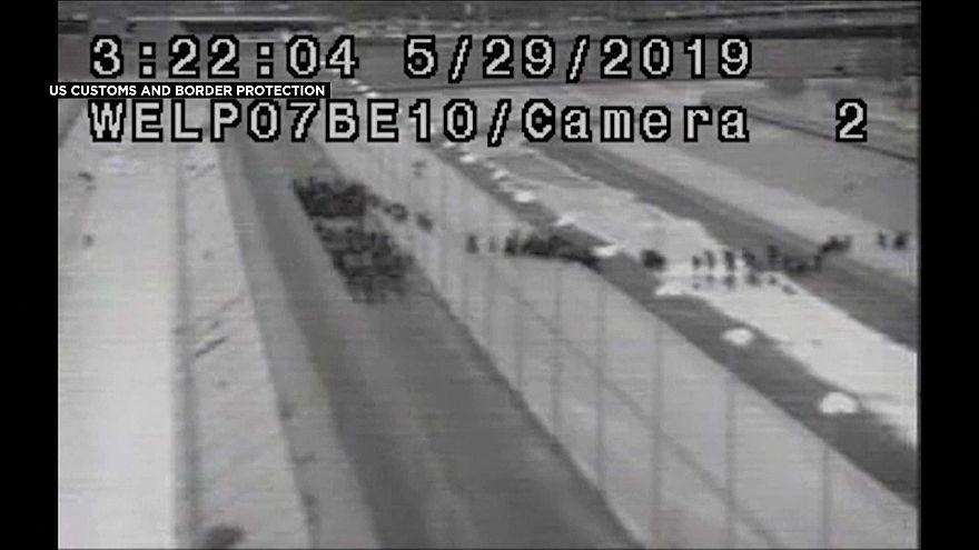 شاهد: حرس الحدود يسجلون عبور أكبر قافلة للمهاجرين للأراضي الأمريكية