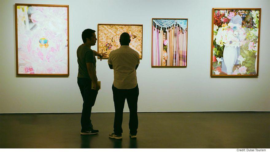 """""""آرت دبي"""" مكان لتلاقي فنون الغرب والشرق"""