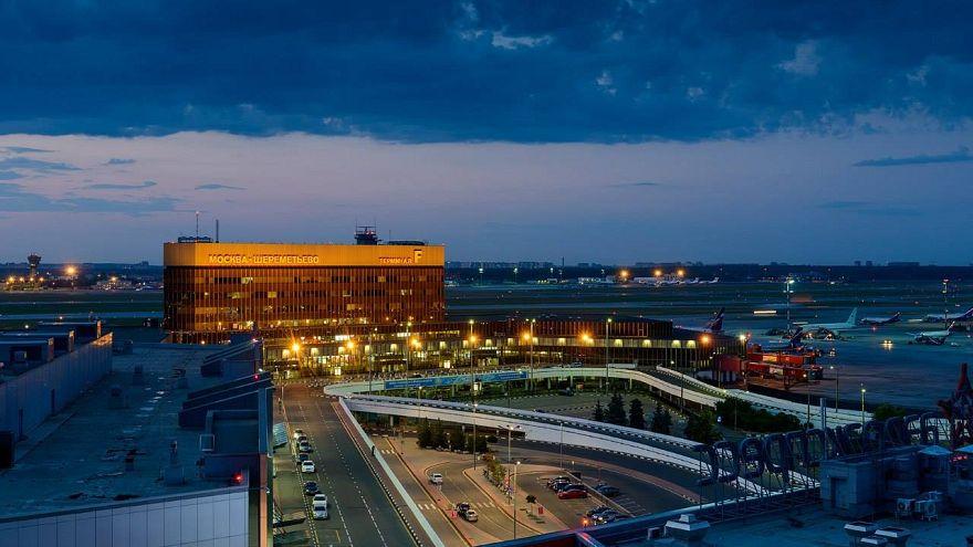 Ο Πούτιν αλλάζει το όνομα σε 45 αεροδρόμια της χώρας!