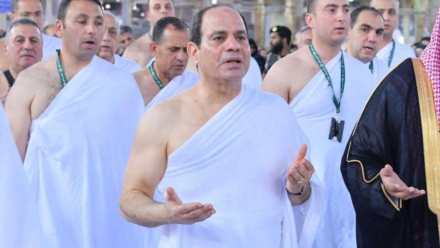 الرئيس المصري عبد الفتاح السيسي خلال تأديته مناسك العمرة