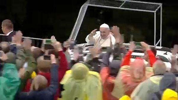 Папа римский отслужил мессу в Трансильвании