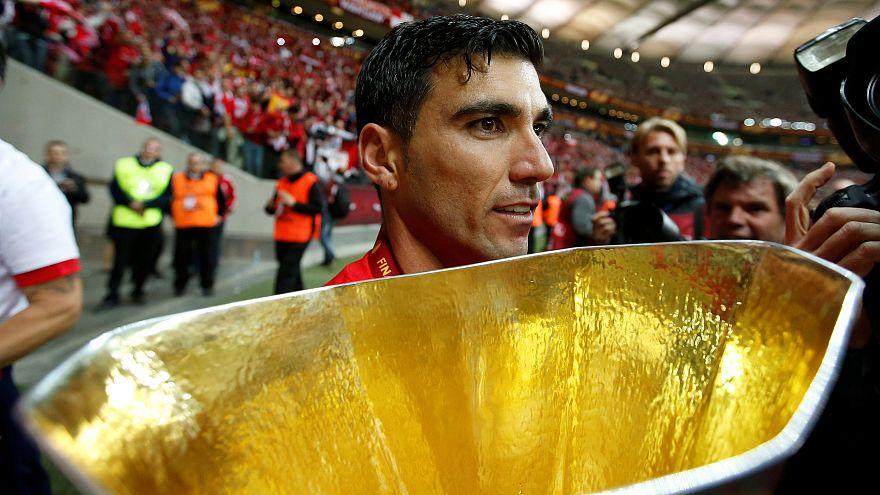 Jose Antonio Reyes: Ex-Arsenal footballer 'dies in car accident in Spain'
