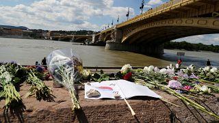 Homenajes a las víctimas a orillas del Danubio