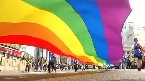 ویدئو؛ تظاهرات خیابانی همجنسگرایان کرهجنوبی برای حق ازدواج