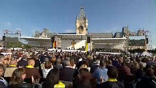 Papa Francisco reza na Catedral de Iasi