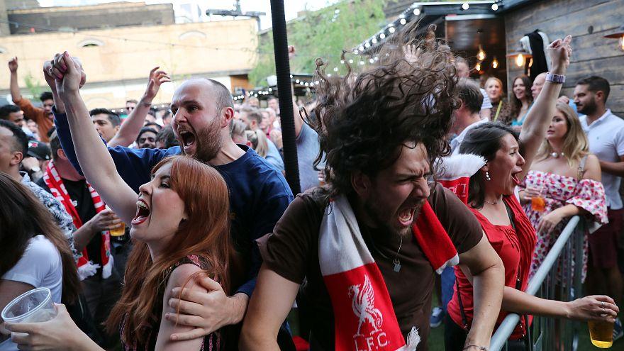 ویدئو؛ شادی هواداران لیورپول از قهرمانی تیم محبوب خود در لیگ قهرمانان اروپا