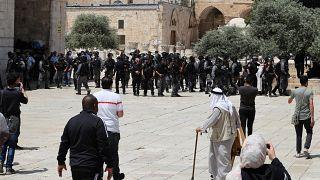 Yahudiler polis korumasında Mescid-i Aksa'ya girdi, Müslümanlarla arbede yaşandı
